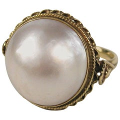 Stunning Handcrafted Mabe Pearl Gold Ring