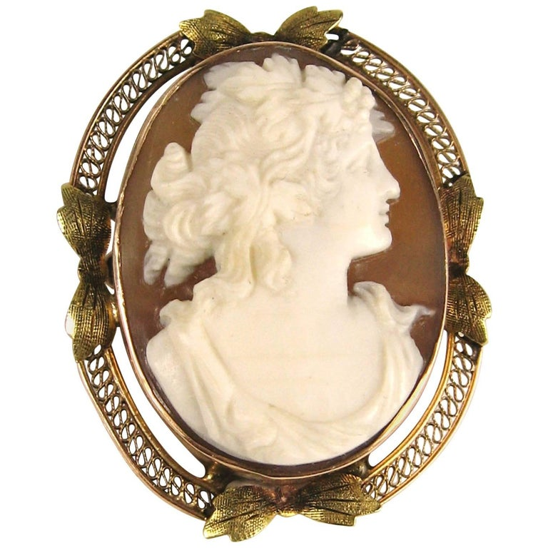 Lovely Rose and Green Gold Antique Shell Cameo Brooch Pendant