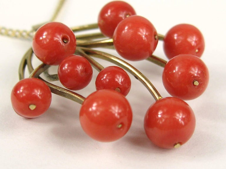 Stunning Free-Form Red Coral Gold Necklace Pendant 2