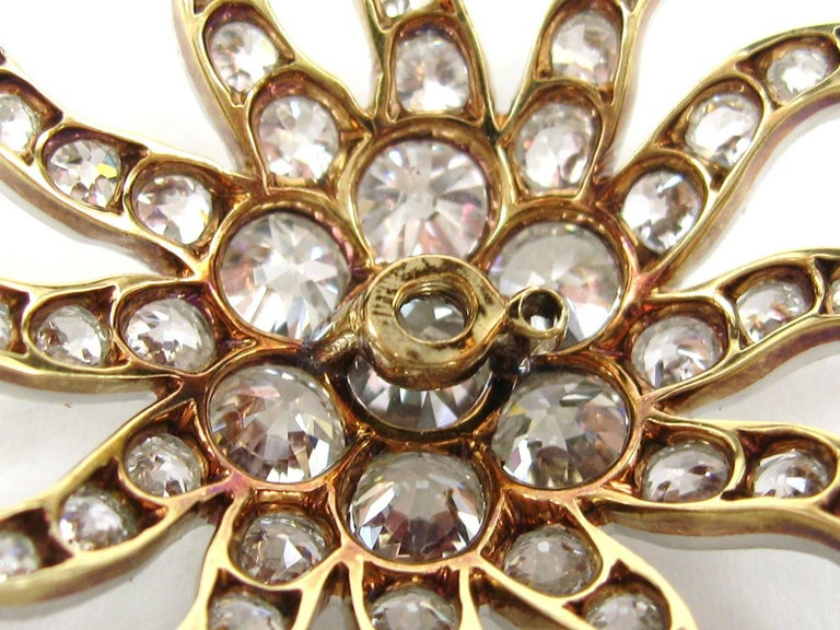 Antique Gold Platinum 8.68 Carat Diamond Convertible Pendant / Brooch For Sale 4