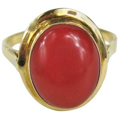 Antique Bezel Set Coral 18 Karat Gold Ring