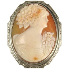 Antique Cameo White 14 Karat Gold Brooch Pendant