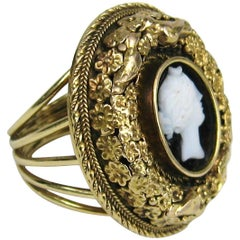 1850s Floral Victorian Carved Agate Cameo 14 Karat Gold Ring