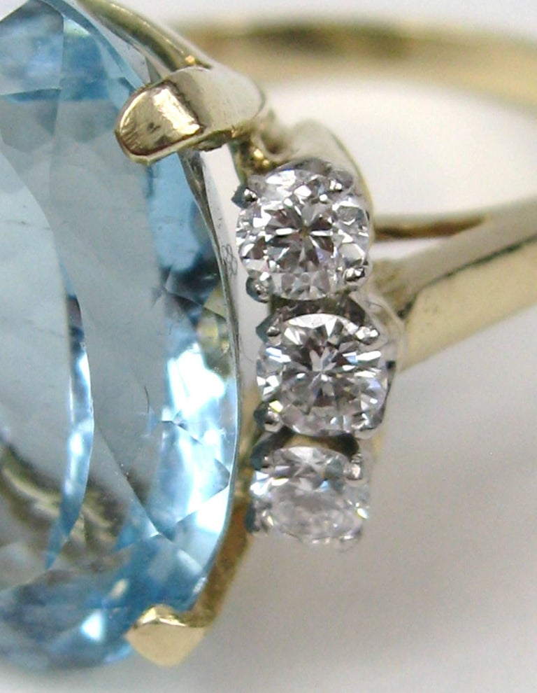 13 + Carat Oval Aquamarine Diamond 14 Karat Gold Ring GIA Certified In Excellent Condition For Sale In Wallkill, NY
