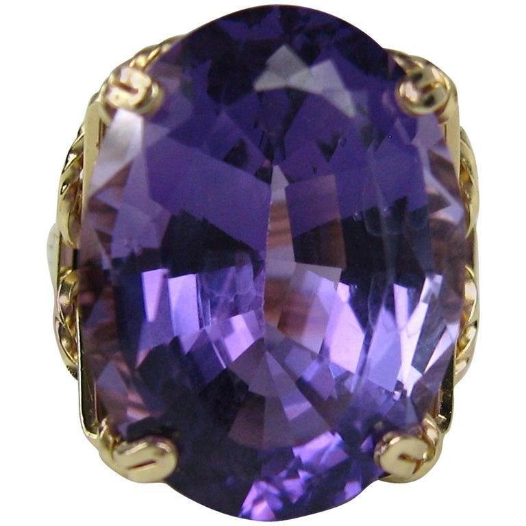 Women's 14 Karat Gold 17.25 Carat Amethyst Ring For Sale