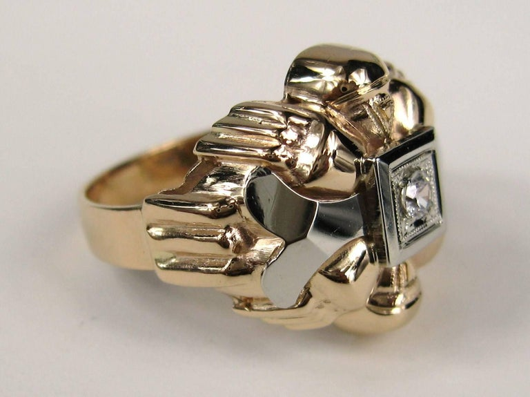 18 Karat Rose and White Gold Diamond Centre Statement Ring In Good Condition For Sale In Wallkill, NY