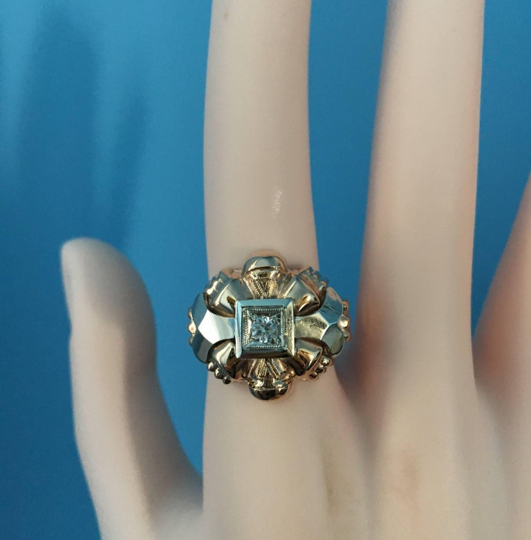 18 Karat Rose and White Gold Diamond Centre Statement Ring For Sale 3