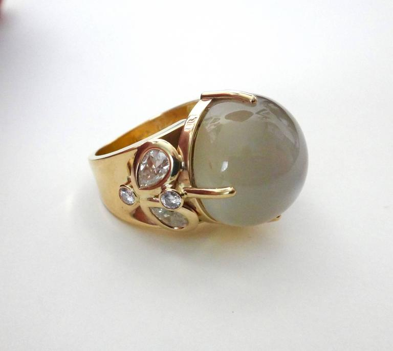 Michael Kneebone Moonstone Diamond Gold Cocktail Ring In Excellent Condition For Sale In Palm Desert, CA