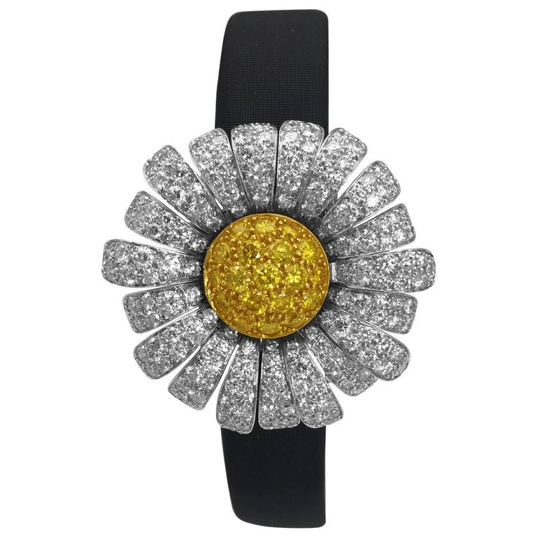Van Cleef & Arpels Ladies Two Color Gold Diamond Marguerite Quartz Wristwatch For Sale
