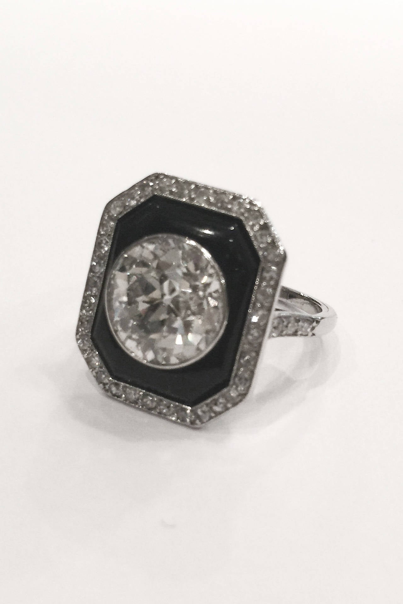 Art deco onyx 4 carat circular cut diamond platinum ring for Art craft engagement rings