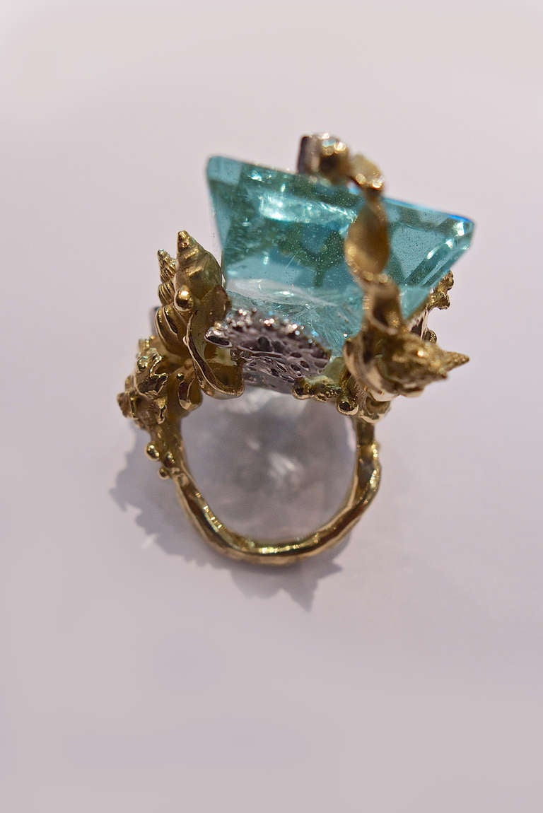 Massimo Izzo Aquamarine Diamond Yellow Gold Ring Representing Sea Life. 4