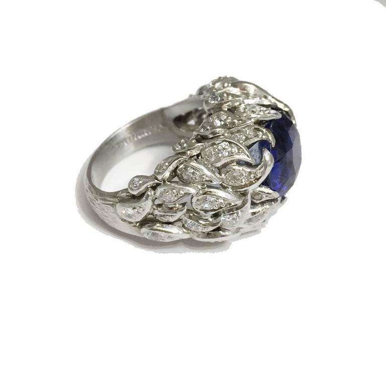 Verdura 9 Carat Burmese Sapphire Diamond Platinum Ring In Excellent Condition For Sale In Paris, FR