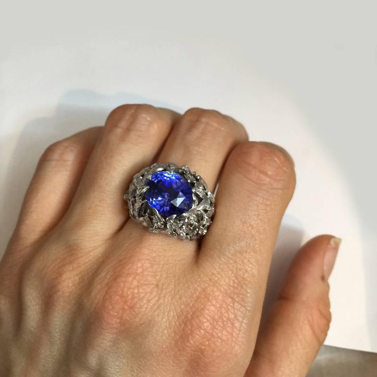 Verdura 9 Carat Burmese Sapphire Diamond Platinum Ring For Sale 1