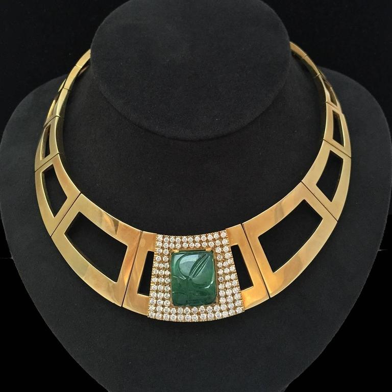 1970s Emerald Diamond Gold Repossi Necklace In Excellent Condition In Paris, IDF