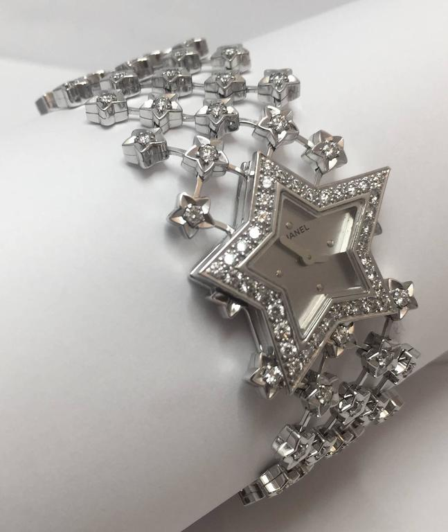 Chanel Ladies White Gold Diamond Dust of the Stars Quartz Wristwatch In Excellent Condition For Sale In Paris, FR