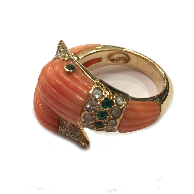 Women's or Men's 1980s Van Cleef & Arpels Coral Emerald Diamond Gold Ring For Sale