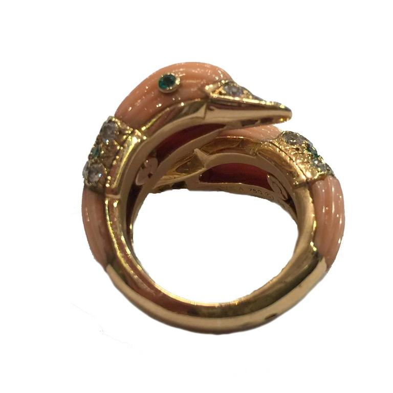1980s Van Cleef & Arpels Coral Emerald Diamond Gold Ring For Sale 1