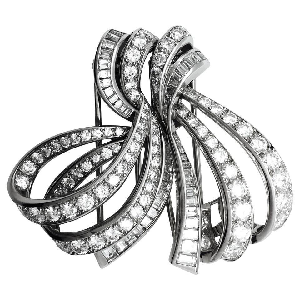 Boucheron Knot Diamond Double Clip brooch