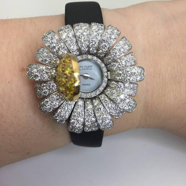 Van Cleef & Arpels Ladies Two Color Gold Diamond Marguerite Quartz Wristwatch For Sale 2