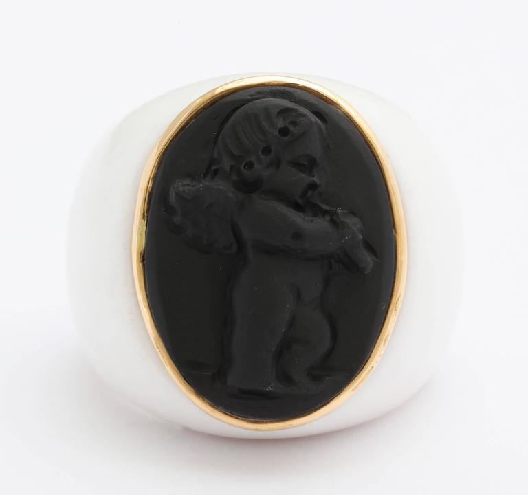 """Amedeo """"Amore"""" Cupid Cameo Ring with Gold 2"""