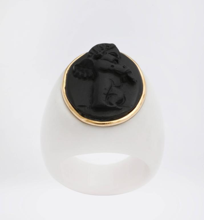 """Amedeo """"Amore"""" Cupid Cameo Ring with Gold 5"""