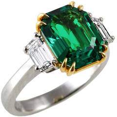 Exceptional Colombian Emerald Diamond Gold Ring