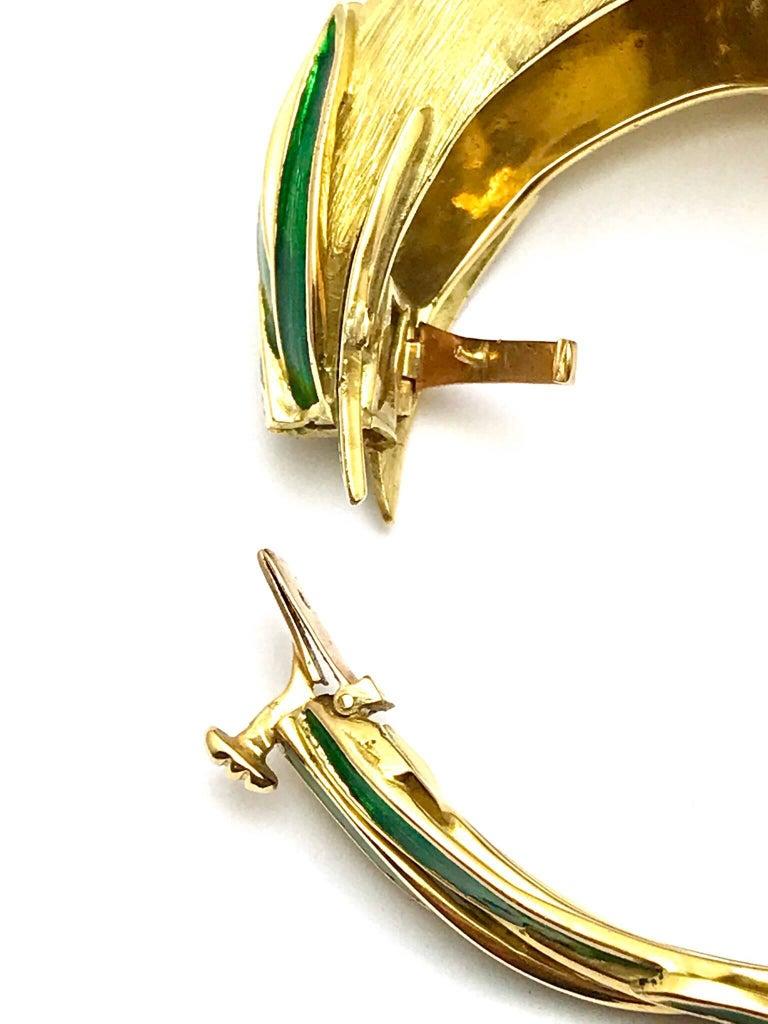 Women's or Men's Diamond and Enamel Yellow Gold Lion Bangle Bracelet For Sale