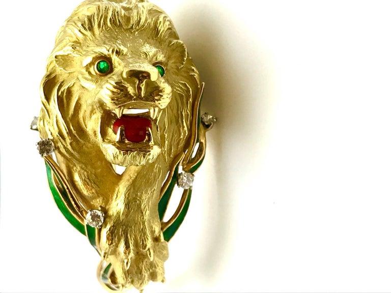 Diamond and Enamel Yellow Gold Lion Bangle Bracelet For Sale 1