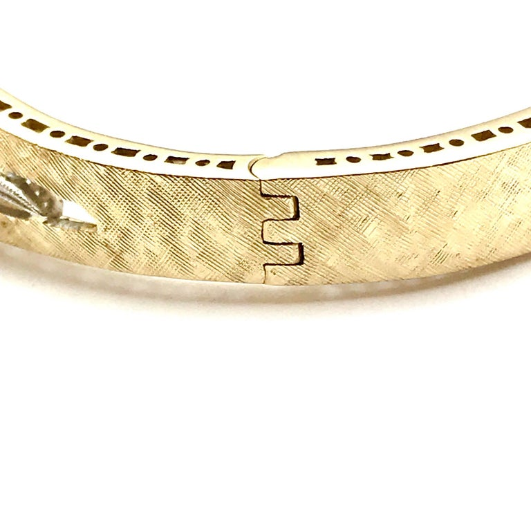 Round Brilliant Diamond White and Yellow Gold Wave Bangle Bracelet For Sale 1