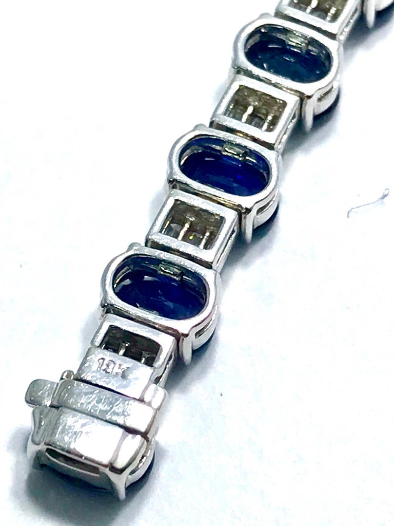 20.00 Carat Oval Sapphire and 2.50 Carat Baguette Diamond White Gold Bracelet In Excellent Condition For Sale In Washington, DC