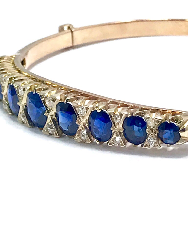 Victorian Natural Sapphire and Diamond Yellow Gold Bangle Bracelet In Excellent Condition For Sale In Washington, DC