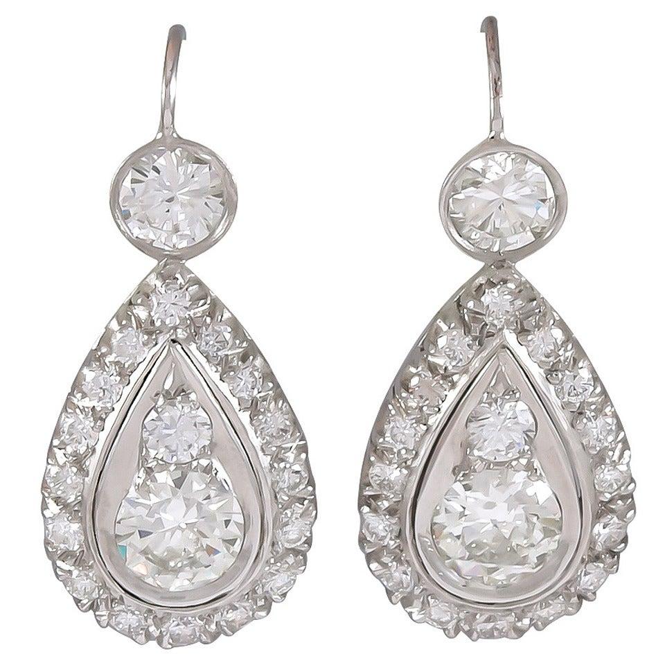 4.40 Carats Diamond Platinum Dangle Earrings