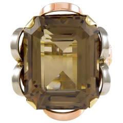 28.42 Carat Smokey Quartz Three Color Gold Retro Ring