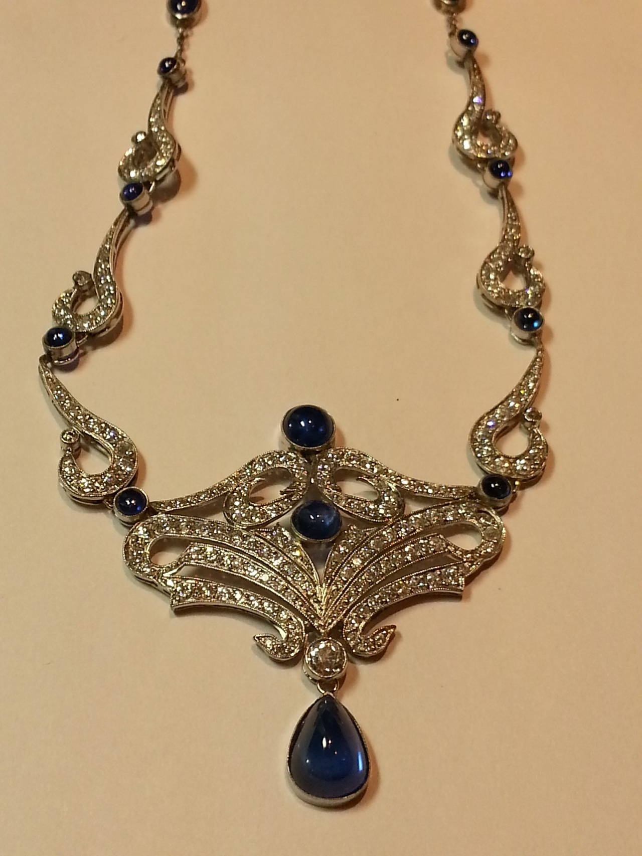 Art Deco Sapphire Diamond Platinum Necklace In Excellent Condition For Sale In Washington, DC