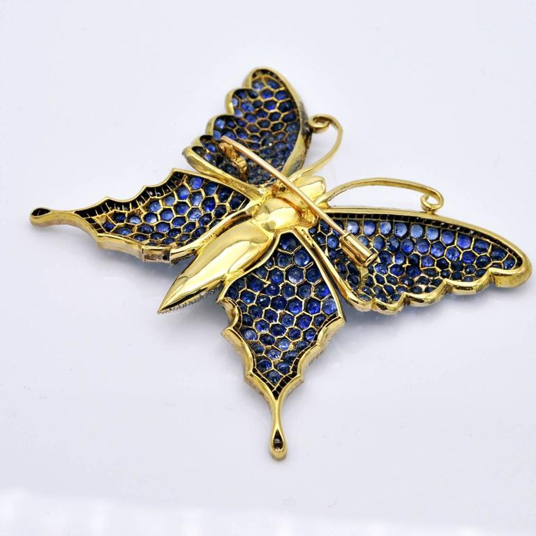Large Butterfly Brooch, Sapphires Diamonds on Gold In New Condition For Sale In Monte Carlo, MC