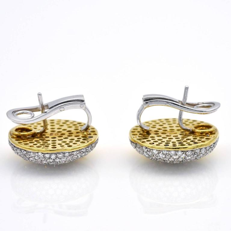 Modern Round Diamond Gold Clip-On Earrings In Excellent Condition For Sale In Monte Carlo, MC