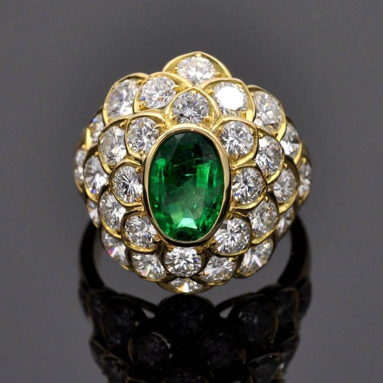Emerald Diamond Yellow Gold Dome Ring In New Condition For Sale In Monte Carlo, MC
