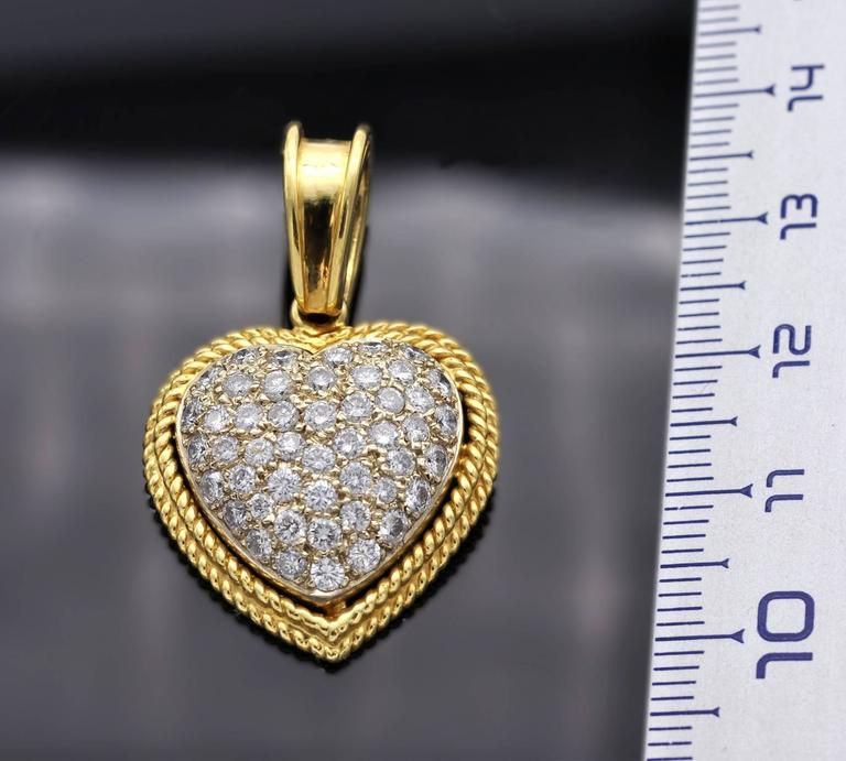 Diamond and Gold Heart Pendant In As New Condition For Sale In Monte Carlo, MC