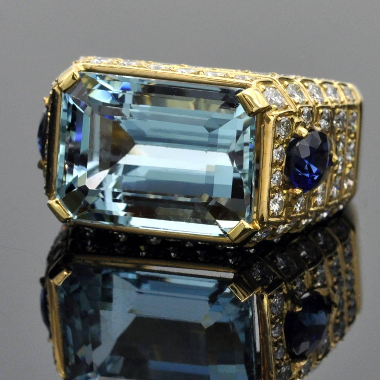 Aquamarine, Sapphires and Diamond Cocktail Ring In New Condition For Sale In Monte Carlo, MC