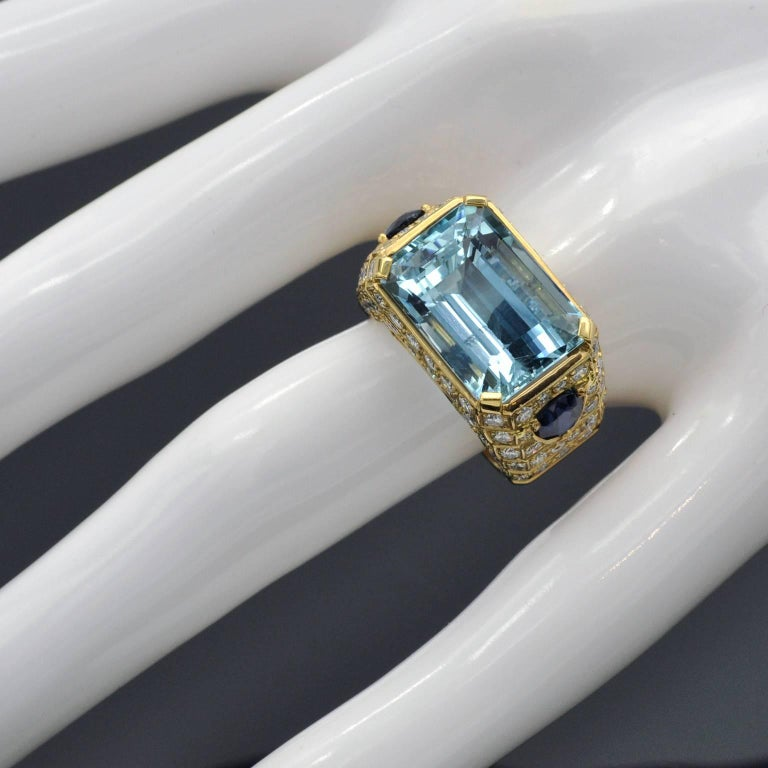 Women's Aquamarine, Sapphires and Diamond Cocktail Ring For Sale