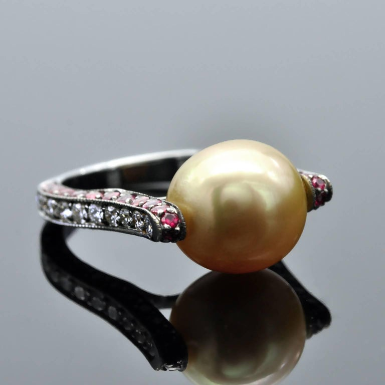 Modernist Golden South Sea Pearl Ruby and Diamond Ring In New Condition For Sale In Monte Carlo, MC