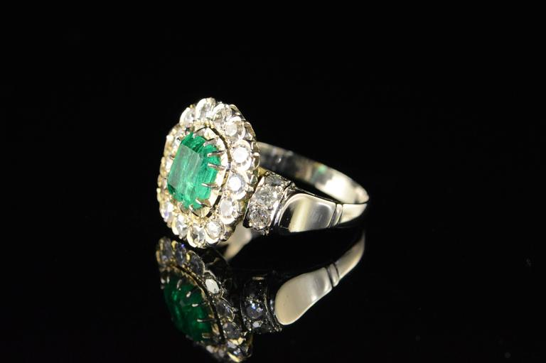 1.68 Carat Emerald 1.32 Carats Mine Cut Diamonds Gold Ring For Sale 3