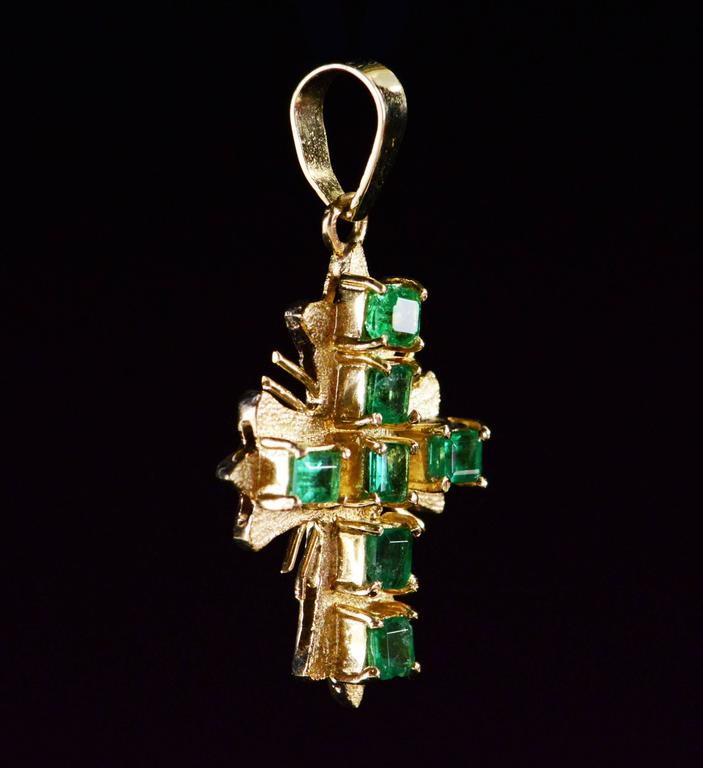 Women's or Men's Emerald Gold Cross Pendant  For Sale