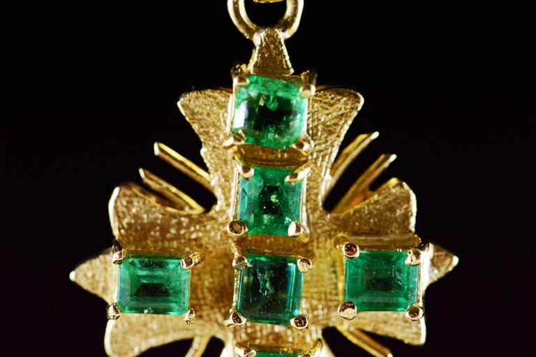 Emerald Gold Cross Pendant  For Sale 1