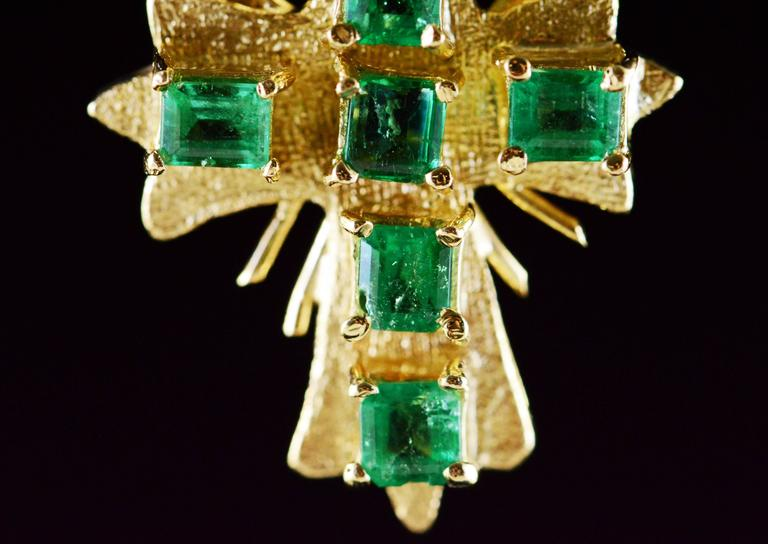 Emerald Gold Cross Pendant  For Sale 2
