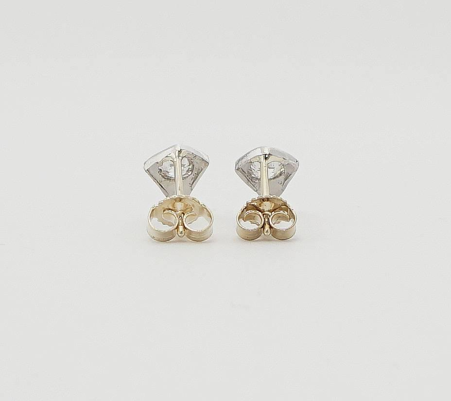 deco 0 80 carats diamonds platinum stud earrings for sale at 1stdibs