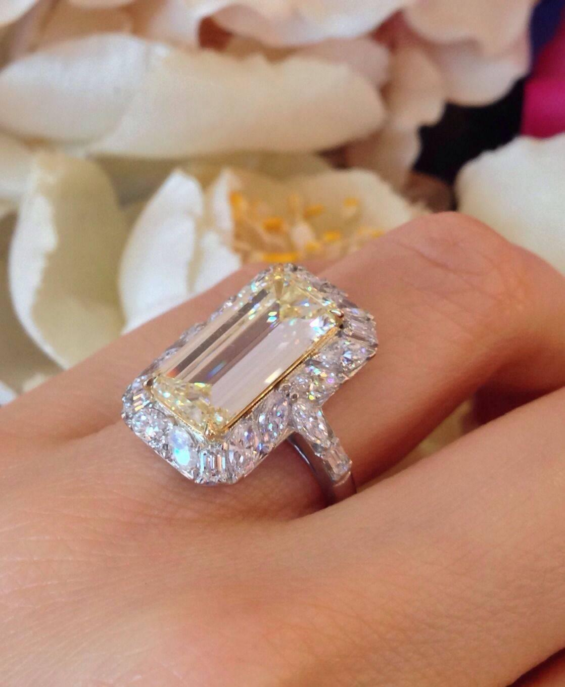 Gia 4 41 Carat Emerald Cut Fancy Light Yellow Diamond Gold