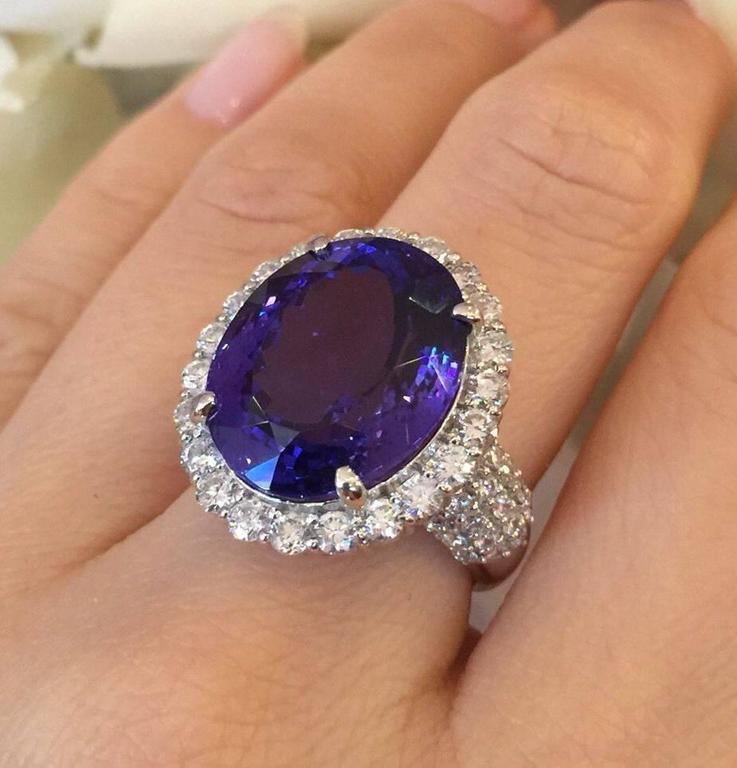 17.12 Carat Oval Tanzanite Diamond Platinum Halo Ring  8