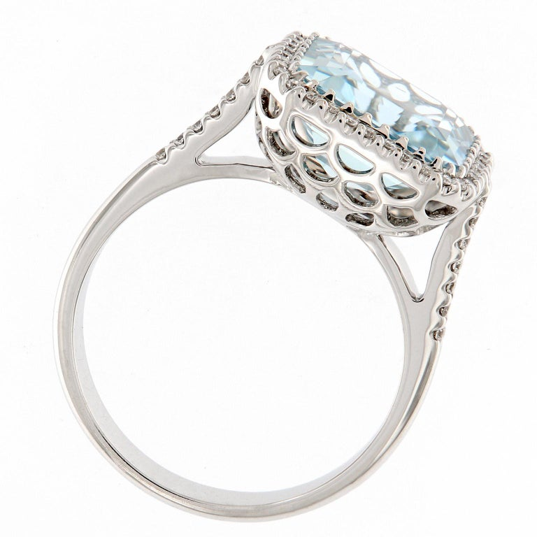Aquamarine Diamond White Gold Cocktail Ring In New Condition For Sale In Troy, MI