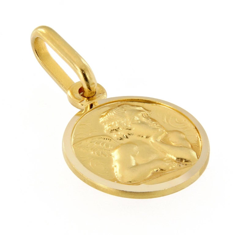 Italian 18 Karat Yellow Gold Angel Coin Charm In New Condition For Sale In Troy, MI